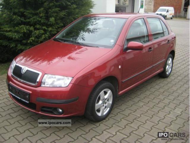 2006 Skoda  Extra air Fabia, ZV radio, electric windows, Limousine Used vehicle photo