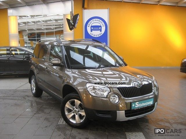 2011 Skoda  Yeti 1.2 TSI ... Navi ... heated seats ... ESP ... INSTANTLY Off-road Vehicle/Pickup Truck Pre-Registration photo