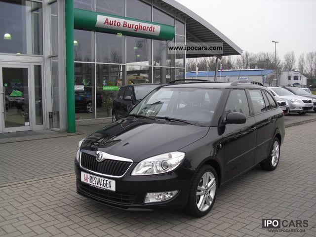 2011 Skoda  Fabia Combi 1.2TSI Sport Estate Car Employee's Car photo