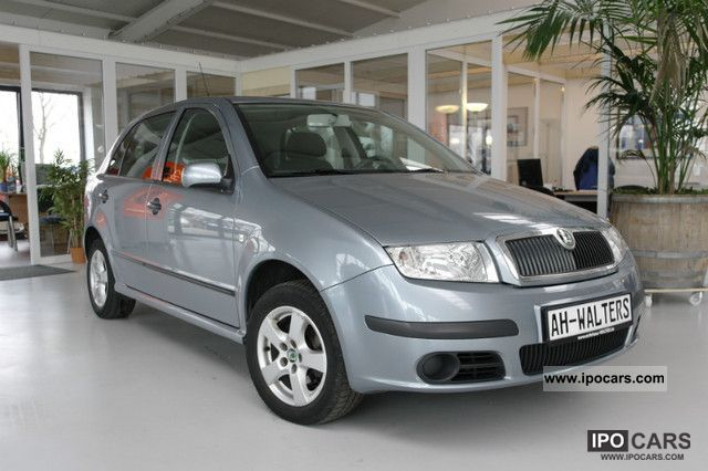 2004 skoda fabia 1 4 16v ambiente car photo and specs. Black Bedroom Furniture Sets. Home Design Ideas