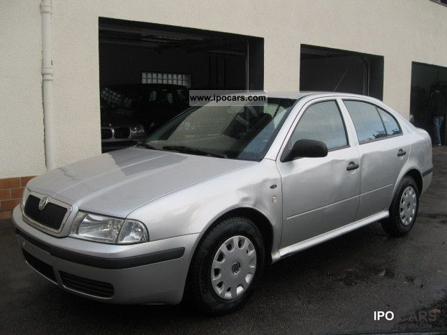 2004 skoda octavia 1 4 classic car photo and specs. Black Bedroom Furniture Sets. Home Design Ideas