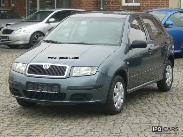 2005 Skoda  Fabia 1.2 HTP climate Small Car Used vehicle photo