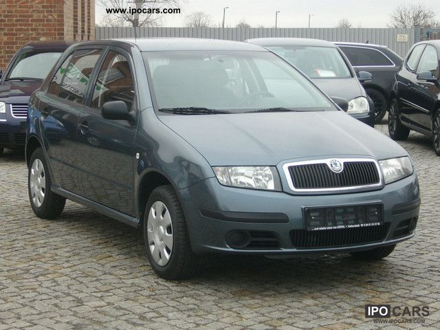 2005 skoda fabia 1 2 htp climate car photo and specs. Black Bedroom Furniture Sets. Home Design Ideas