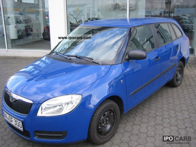 2010 Skoda  Fabia Combi 1.4 16V - CLIMATIC- Estate Car Used vehicle photo