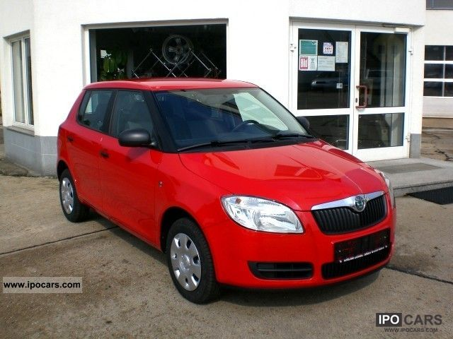 2010 Skoda  Fabia Classic Cool 1.2HTP Climatic Small Car Demonstration Vehicle photo
