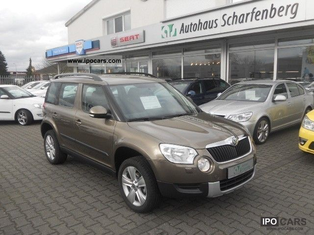 2012 Skoda  Yeti 1.2 TSI Ambition DSG Navi PDC Off-road Vehicle/Pickup Truck Used vehicle photo