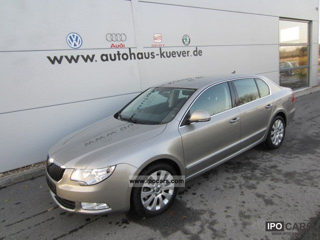 2012 Skoda  Superb II 2.0 TDI Elegance Leather Navi Xenon Limousine Used vehicle photo
