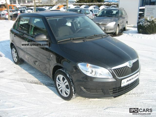 2011 skoda fabia 1 4 16v mpi ambiente car photo and specs. Black Bedroom Furniture Sets. Home Design Ideas