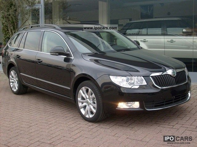 2012 skoda superb wagon 2 0 tdi 140cv dsg 4x4 ambition blu car photo and specs. Black Bedroom Furniture Sets. Home Design Ideas