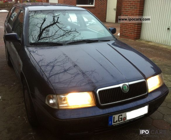 1998 Skoda  1.6 GLX Combi, Full Service History up to 176 180 Estate Car Used vehicle photo
