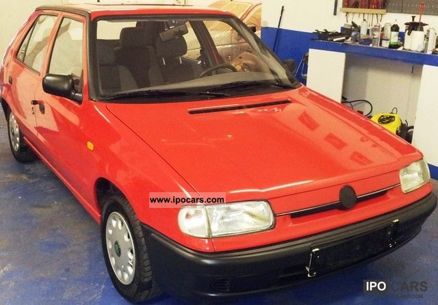 1997 Skoda  Felicia + + Tüv 08.12. + + + + + + Radio Power Small Car Used vehicle photo