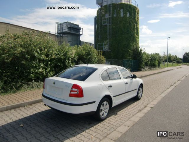 2011 skoda octavia new cars car photo and specs. Black Bedroom Furniture Sets. Home Design Ideas