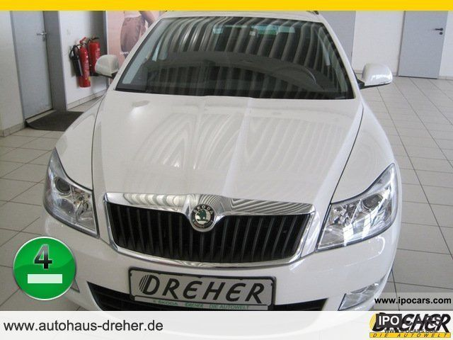 2011 Skoda  Octavia Combi 1.2 Family 105hp 6-speed air / aluminum Estate Car New vehicle photo