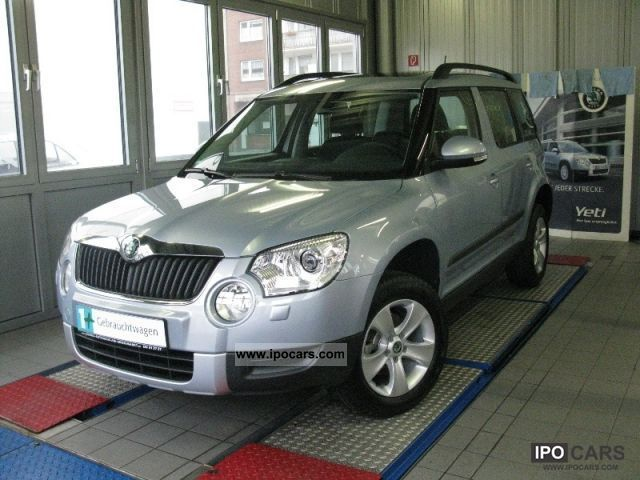 2012 skoda yeti 1 2 tsi dsg ambition navi xenon car photo and specs. Black Bedroom Furniture Sets. Home Design Ideas