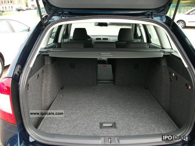 2011 skoda octavia 2 0 tdi cr dpf 140 hp elegance 1z5335 car photo and specs. Black Bedroom Furniture Sets. Home Design Ideas