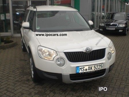 2012 Skoda  Active Plus edition Yeti 1.2 TSI climate PDC Off-road Vehicle/Pickup Truck Employee's Car photo