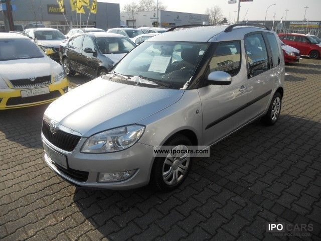 2010 skoda roomster style 1 6 tdi ahk pdc fse shz car photo and specs. Black Bedroom Furniture Sets. Home Design Ideas