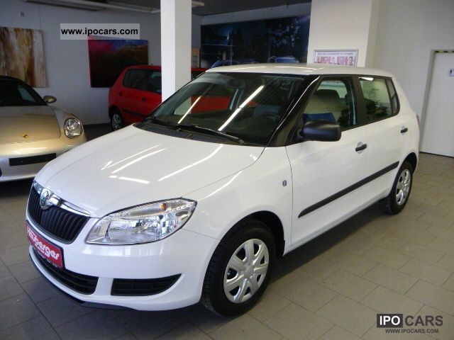 2011 Skoda  Fabia 1.2 Peps, air conditioning, radio / CD, Electric. Fensterh Limousine Used vehicle photo