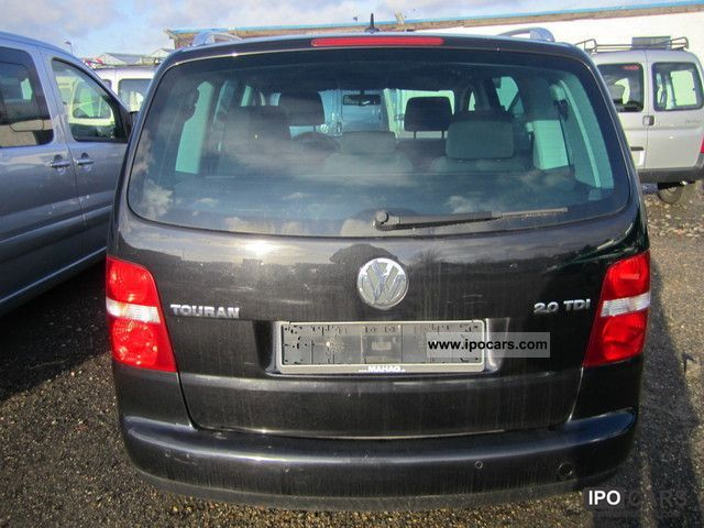 2005 volkswagen touran 2 0 tdi dsg 7 seats winter package car photo and specs. Black Bedroom Furniture Sets. Home Design Ideas