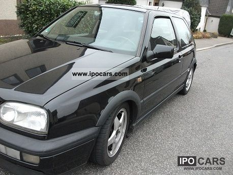 1994 Volkswagen  Golf GTI 2.0 (edition) Colour Concept Limousine Used vehicle photo