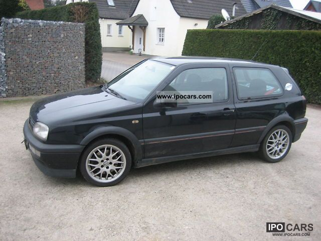 1996 Volkswagen  Golf GTI 2.0 (edition) Colour Concept Limousine Used vehicle photo