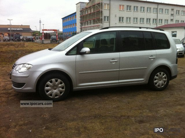 2009 Volkswagen  Touran 1.9 TDI DSG \ Van / Minibus Used vehicle photo