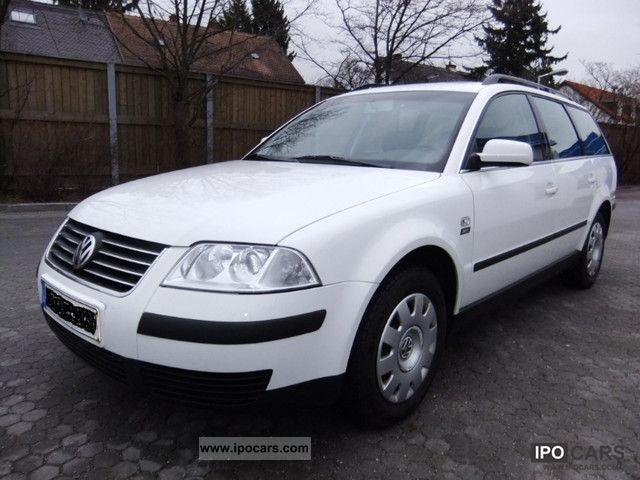 2001 Volkswagen  Passat 1.6 Trendline * original 31,000 km Estate Car Used vehicle photo