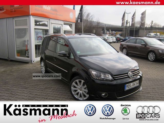 2012 Volkswagen  Touran 2.0 TDI Highline (Navi Leather) Van / Minibus Demonstration Vehicle photo