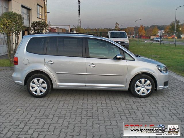 2010 volkswagen touran 2 0 tdi comfortline dsg 7 seater car photo and specs. Black Bedroom Furniture Sets. Home Design Ideas
