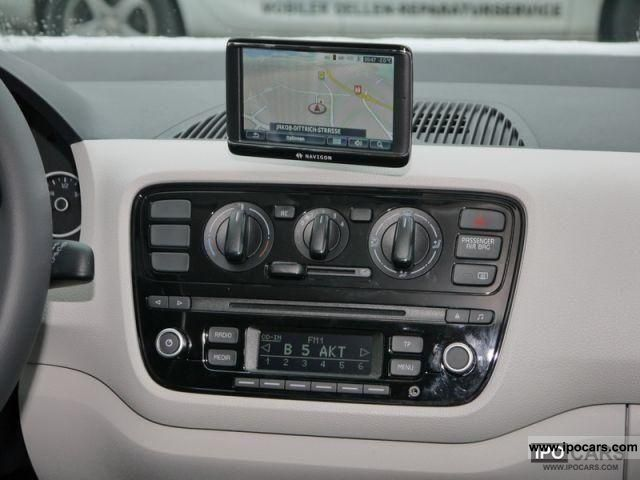 2011 volkswagen up 1 0 move up with more maps and wkr. Black Bedroom Furniture Sets. Home Design Ideas