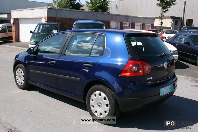 2004 volkswagen golf v 1 4 trendline climate esp 65000km car photo and specs. Black Bedroom Furniture Sets. Home Design Ideas