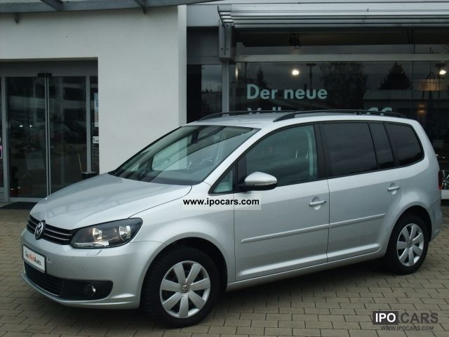 2011 volkswagen touran 39 comfortline 39 1 6 tdi navi car photo and specs. Black Bedroom Furniture Sets. Home Design Ideas