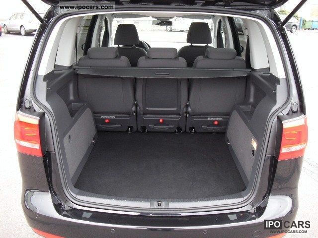 2011 volkswagen touran 2 0 tdi dpf highline panoramic roof. Black Bedroom Furniture Sets. Home Design Ideas