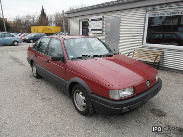 1990 Volkswagen  Passat 1.8 GT * 2.Hand * VW * very well maintained checkbook Limousine Used vehicle photo
