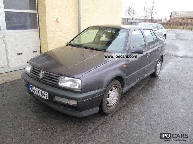 1993 Volkswagen  Vento 2.0 GT Air Limousine Used vehicle photo
