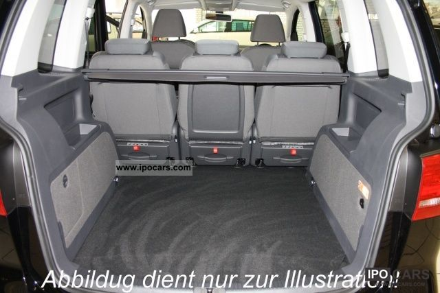 volkswagen sharan 7 passenger van volkswagen sharan du coffre et du volume tout en confort. Black Bedroom Furniture Sets. Home Design Ideas