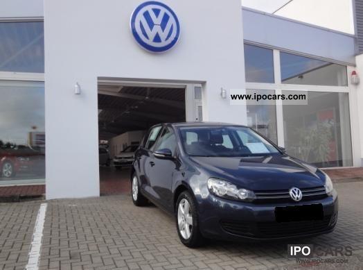 2010 Volkswagen  Golf 1.6 TDI Comfortline Limousine Used vehicle photo