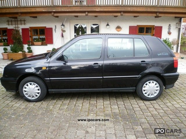 1996 Volkswagen  1.8 GL Golf Europe Limousine Used vehicle photo