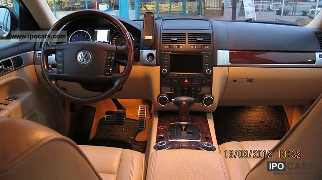 2004 Volkswagen Touareg 4.2 V8 Auto LPG - Car Photo and Specs
