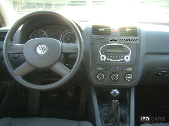 2005 volkswagen golf v 1 9 tdi 105 ps klimaautomatik 1 hd euro4 car photo and specs. Black Bedroom Furniture Sets. Home Design Ideas