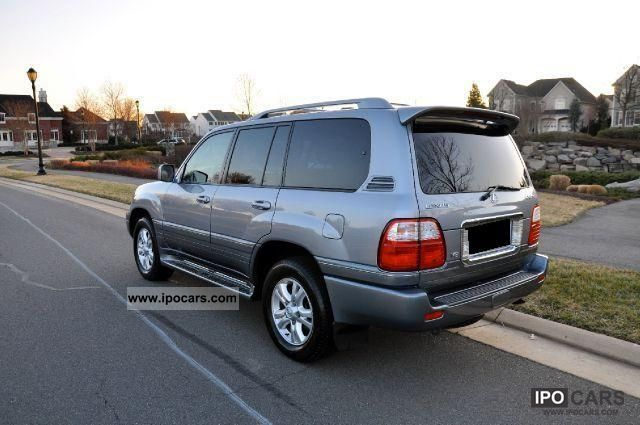 2004 Lexus LX 470 - Car Photo and Specs