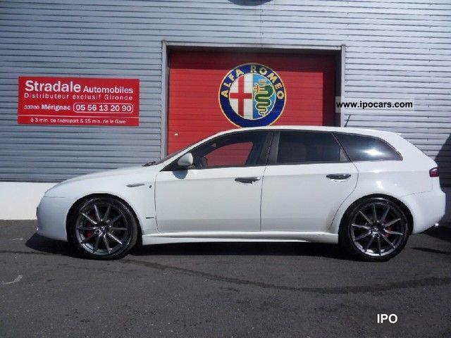 2009 alfa romeo 159 sw 2 4 20v ti jtd200 qtronic car photo and specs. Black Bedroom Furniture Sets. Home Design Ideas