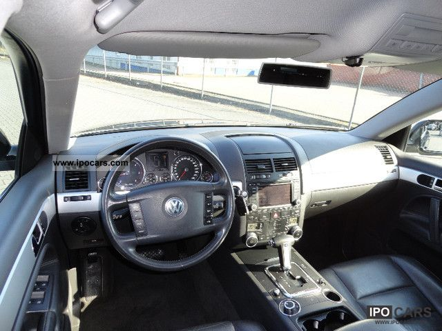 BMW Steering Wheel Cover >> 2004 Volkswagen Touareg 2.5 R5 TDI Automatic - Car Photo ...