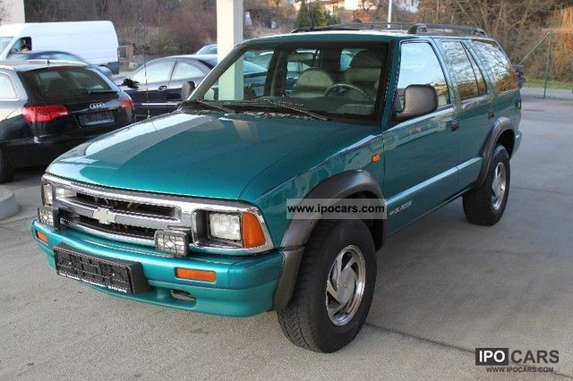 1996 Chevrolet  * Automatic * Air Blazer * Leather * AHK * green sticker * Off-road Vehicle/Pickup Truck Used vehicle photo