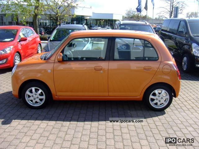 2006 daihatsu trevis climate car photo and specs. Black Bedroom Furniture Sets. Home Design Ideas