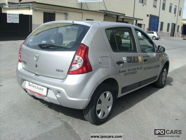 2010 dacia sandero ambiance 1 5 dci 75cv car photo and specs. Black Bedroom Furniture Sets. Home Design Ideas