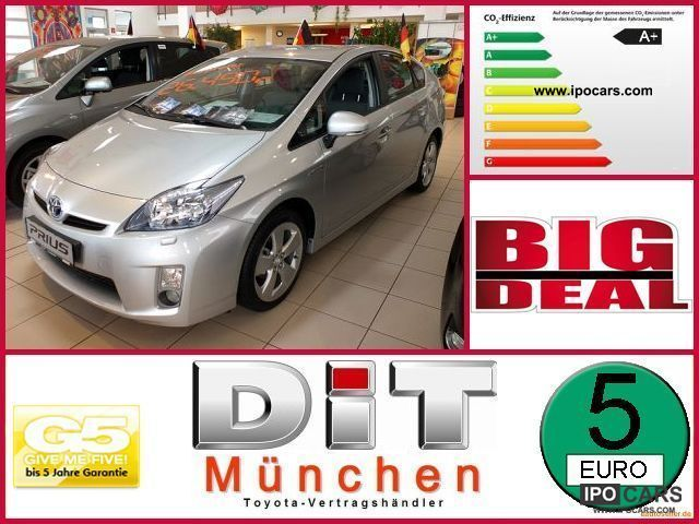 Toyota  Prius 1.8 VVT-i Executive 2012 Hybrid Cars photo