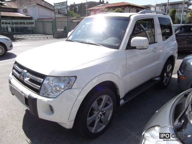 2010 Mitsubishi  Pajero 3.2 DID FULL FULL Limousine Used vehicle photo