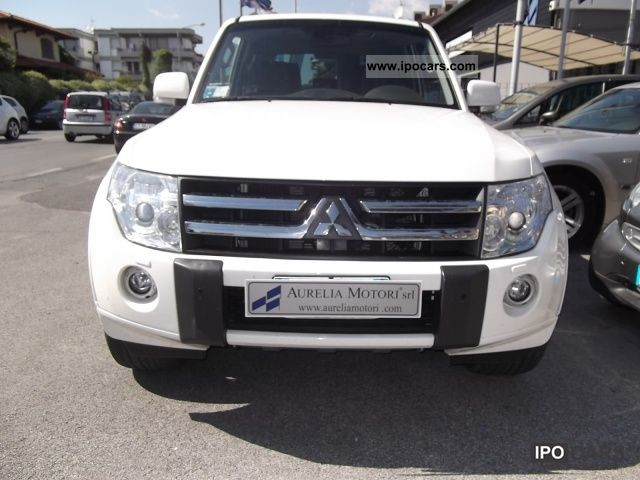 2010 mitsubishi pajero 3 2 did full full car photo and specs. Black Bedroom Furniture Sets. Home Design Ideas