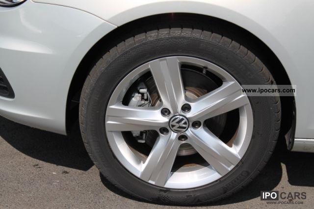2011 Volkswagen Eos 2.0 TSI DSG Cabrio / roadster Used vehicle photo 3